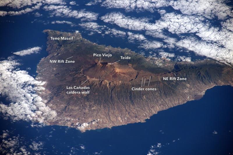 Tenerife, isola dell'eterna primavera   2021 - 2022